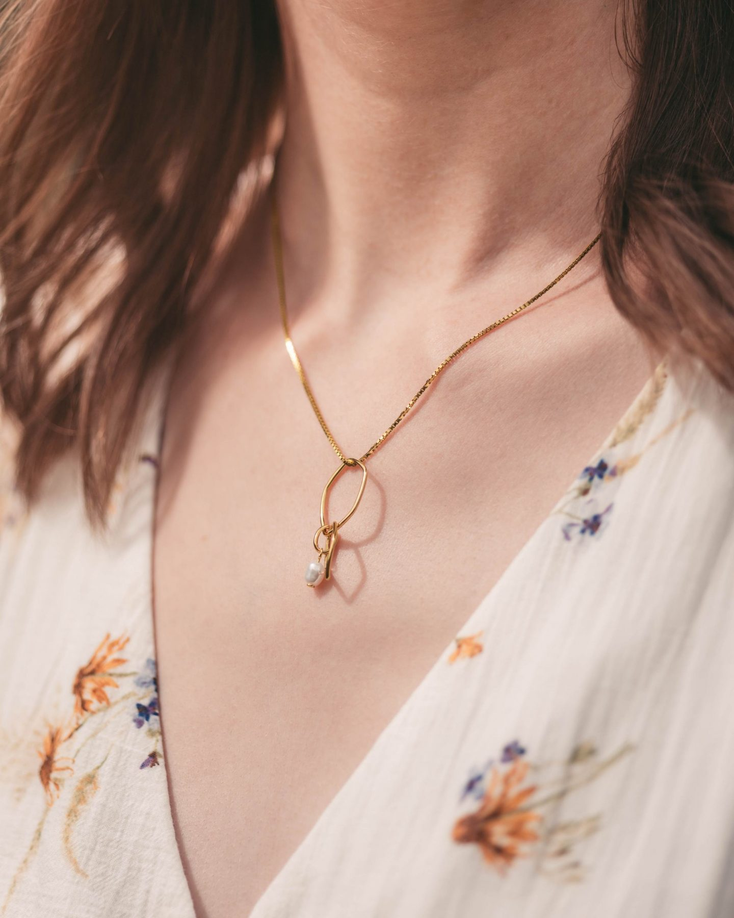 Scarlet Ocean Geometric Pearl Necklace